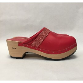 New Red barefoot