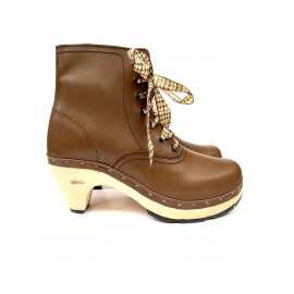 Brown heel souk